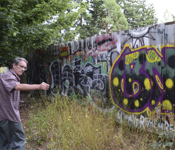 Two tackle city's growing graffiti problem